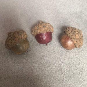 3 Acorn Decorations